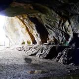 Mit vielen Höhlen