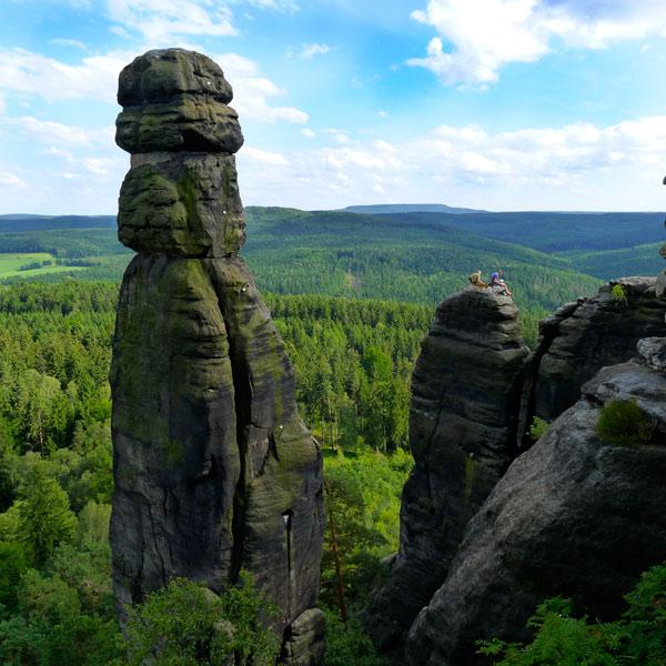Die Barbarine am Pfaffenstein ist übrigens das Wahrzeichen